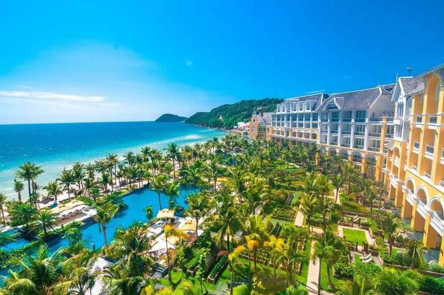Đón khách du lịch trở lại, JW Marriott Phu Quoc Emerald Bay ưu đãi hấp dẫn chưa từng có