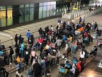 Gần 340 công dân Việt ở Anh được đón về nước tránh dịch