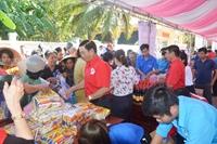 Phiên chợ Nhân đạo  cho 400 gia đình khó khăn