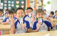 Niềm vui uống sữa học đường tại TP Hồ Chí Minh