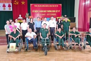 Công đoàn Thanh tra Chính phủ thăm hỏi, tặng quà các thương bệnh binh tại Phú Thọ
