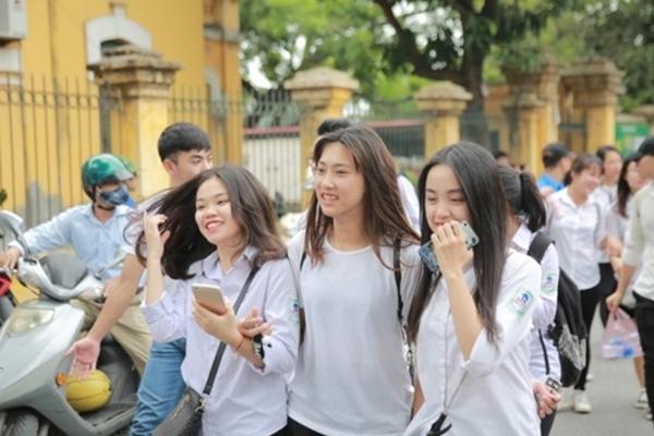 Thi tốt nghiệp THPT: Hà Nội chuyển 1 điểm thi do có giáo viên F1