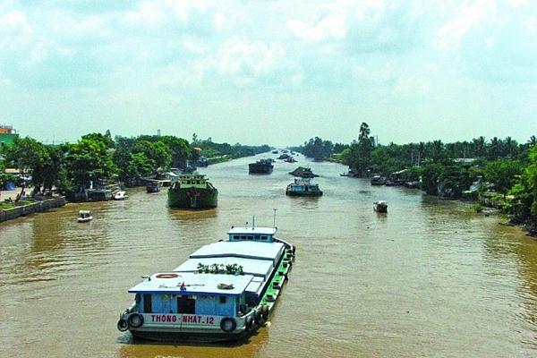 Thủ tướng chỉ thị thúc đẩy phát triển vận tải thủy nội địa
