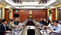 Phó Thủ tướng Trịnh Đình Dũng tiếp đại diện các tổ chức quốc tế hỗ trợ nhân dân miền Trung