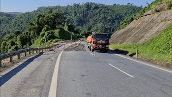 Nhiều điểm sụt lún, sạt lở trên cao tốc Hà Nội - Lào Cai