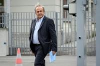 Cựu Chủ tịch UEFA Platini hầu tòa vì liên quan các vụ tham nhũng