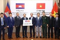 Việt Nam tiếp tục ủng hộ Campuchia 200 000 USD nhằm ứng phó với dịch Covid-19