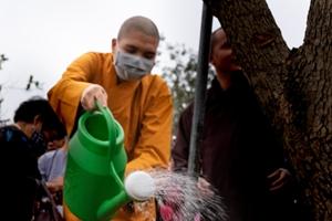 Trang nghiêm Đại lễ Khánh đản Bồ tát Quán âm tại Học viện Phật giáo Việt Nam