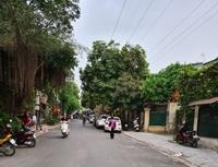 Tình trạng đỗ dừng xe trong ngõ 51 phố Lãng Yên vẫn tái diễn