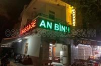 Cơ sở massage cho nhân viên khỏa thân tắm với khách