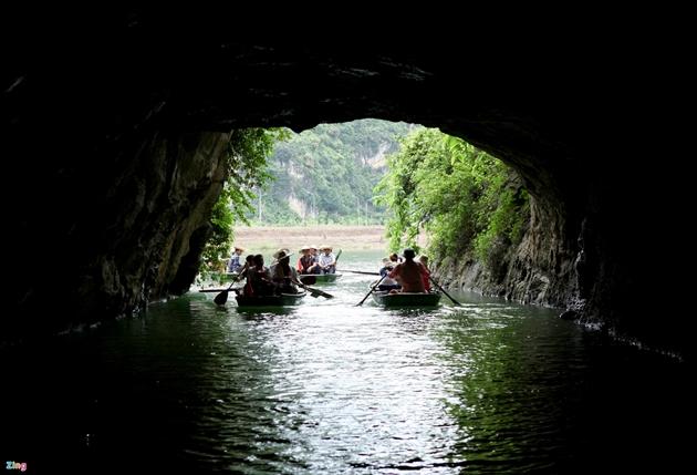 Các hang động ở Tràng An. Ảnh: Zing.vn
