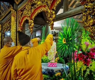 Kính mừng Phật đản, không chủ quan chống dịch Covid-19