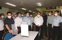 Phó Thủ tướng Trương Hòa Bình kiểm tra phòng dịch COVID-19 tại TP Hồ Chí Minh
