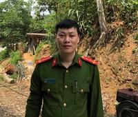 Tặng Bằng khen Phó trưởng Công an xã cứu dân khỏi nước lũ