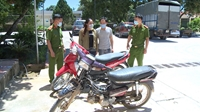 Bắt cặp vợ chồng trộm cắp xe máy đưa đi Hà Nội bán
