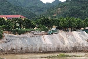 Lào Cai: Chính quyền buông lỏng quản lý, sông Hồng bị đào lấp trái pháp luật