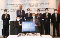 Việt Nam có thêm 100 000 liều vaccine và nhiều thiết bị y tế phòng COVID -19 trị giá hơn 536 tỷ đồng
