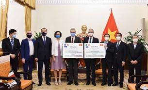 Pháp và I-ta-li-a trao tặng 1,5 triệu liều vắc-xin cho Việt Nam phòng Covid-19