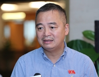 Bác sĩ Nguyễn Lân Hiếu Chưa tiêm phủ vaccine cho trẻ em thì chưa mở cửa trường đi học lại